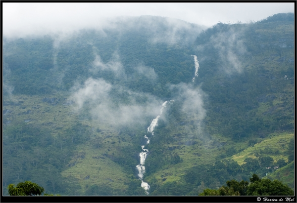 A water stream falling down from a surrounding mountain - seen from Rakwana.