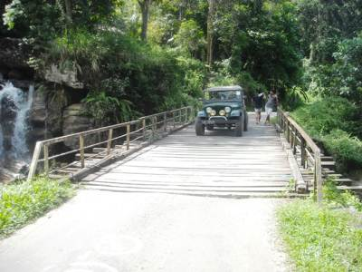 "When we drove through the bridge; it emitted a sound of ""Daka doka""."