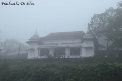 The Viharaya looked liked a castle in the mist……..