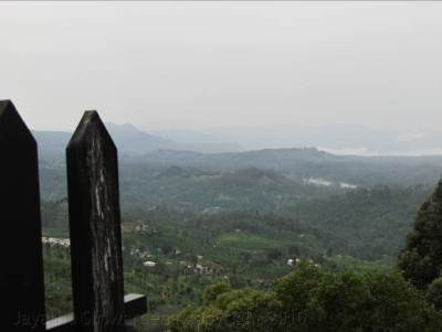 Looking down towards Thangamale village from Adisham