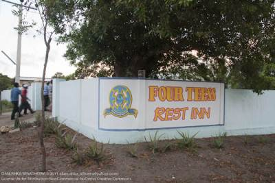 Four Tee Rest Inn!