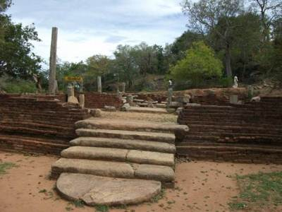 Archeological site with some ruins - Patimagaraya
