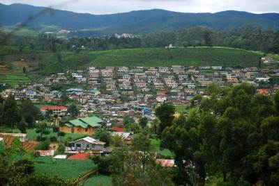 From the base of the waterfall Nuwara-Eliya town was clearly visible