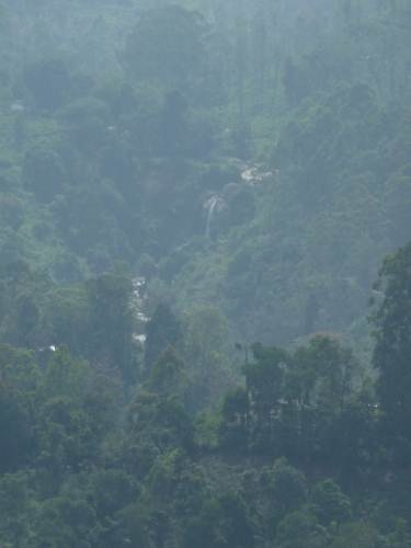Manawela falls seen from udapussellawa road