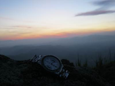 My TAG Huer says 13 minutes more for the sunrise…