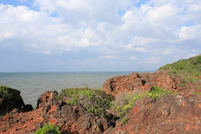 The view of the sea from Kudiramale