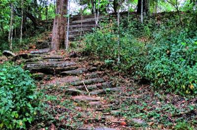 steps towards Sellabawa ruins