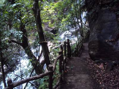 Path to upper part