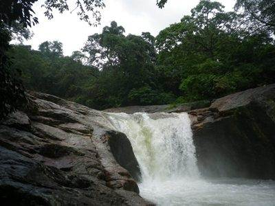 The Sooriya Arana waterfall