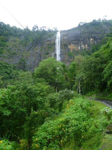 Diyaluma water fall- near Wallawaya –beragala road