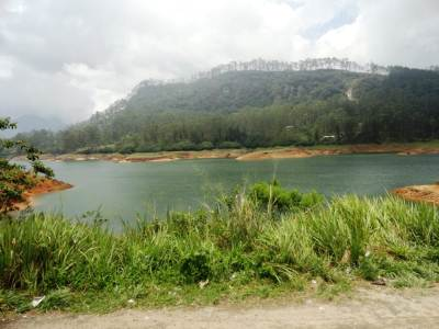 A beautiful view of Maskeliya Reservoir