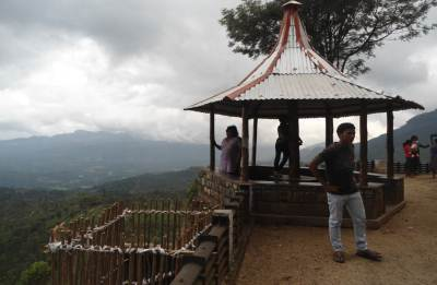 n observation point at Balangoda-Bogawanthalawa road