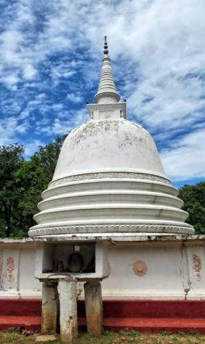 pagoda at Devagiriya