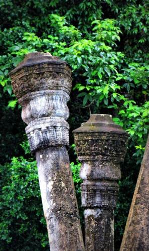 patterned pillars