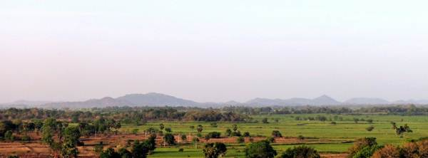 scenery from Deegavapi pariwara pagoda