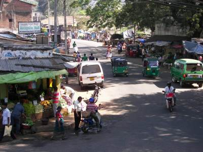 Busy Matale town on a Saturday morning