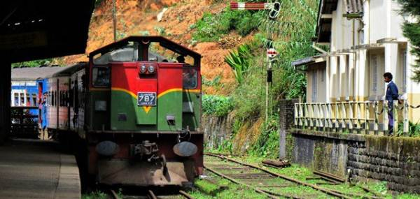 here comes my train to bandarawela