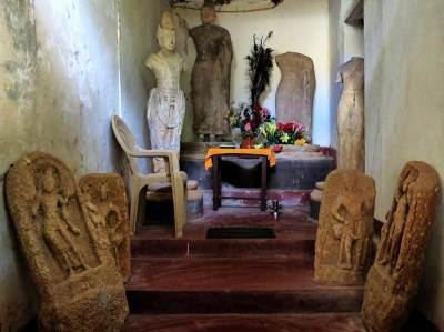 statues and guard stones found at Budugallena monastery