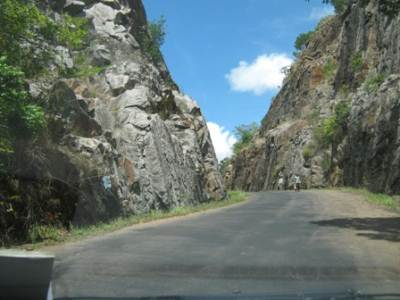 Another 'V cut'? Just like that in the jeep track from Kalupahana to Ohiya. This is Kapugala – Rajawaka road