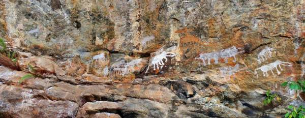 wowwwwwwww i really love these cave painting at Wetumbegoda
