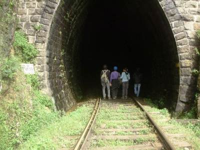 Entering tunnel 18