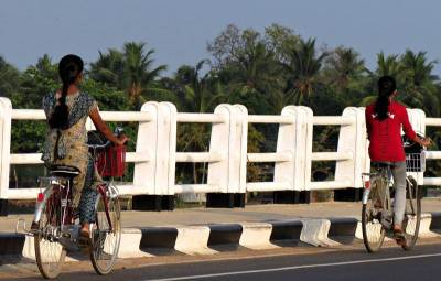 batticaloa ladies on the cycles