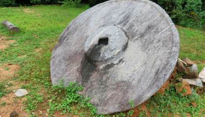 Largest  umbrella stone found in Sri Lanka