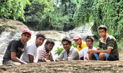 Friends who came to visit at waterfall