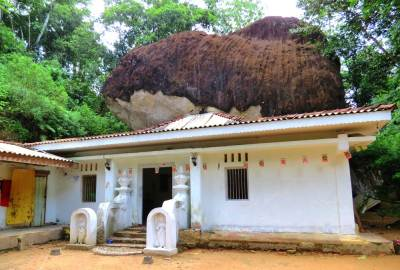 Thunbawila cave temple