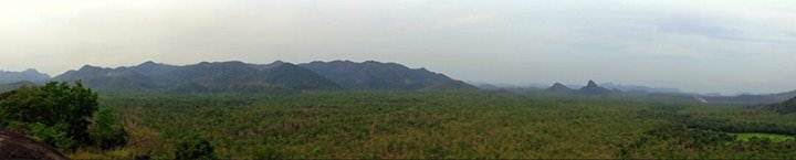 Panorama from the top of Kahata aththa hela rock