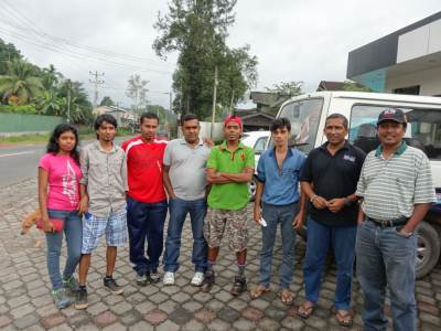 The Team (From Left: Dodam's wife and him, Wuminda, Prasanna, Me, Prince, Young guns Atha and Tony)