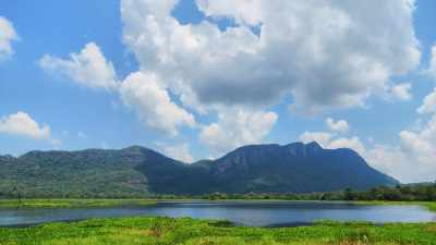 View from D. Millana Lake (මිල්ලාන වැව) in front of the rock range