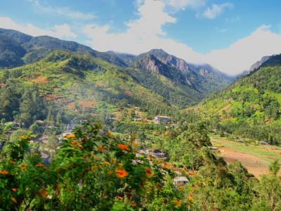 Mandaram Nuwara and Piduruthalagala range-Taken at Good wood