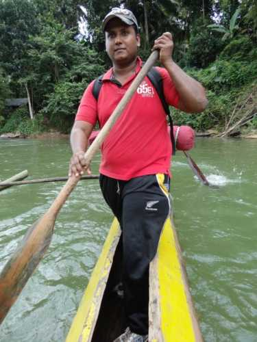 Coming back…………..Genuine Rowing ……….Egodaha Yanno ….Megodaha enno….Thawa Kawruda inne………Photo :SRI