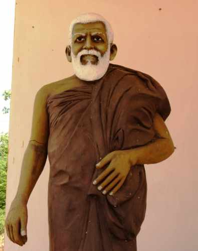 Statue of Ven. Kithalagama Seelalankara Thero.  He is the hero behind all these development of Dimbulagala. We wouldn't discuss about this place if he didn't arrive there. Ven. Seelalankara Thero was shot dead by terrorists in 1995.