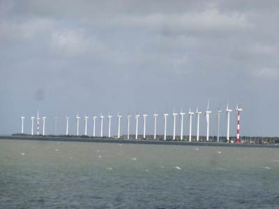 25 Windmills in Puttalam