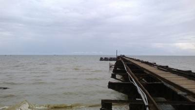 The decaying pier