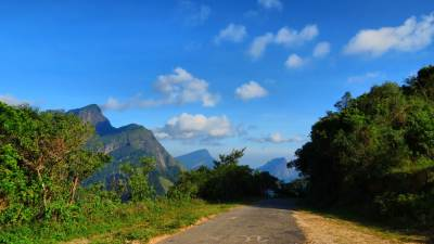 The road from Loolwaththa.