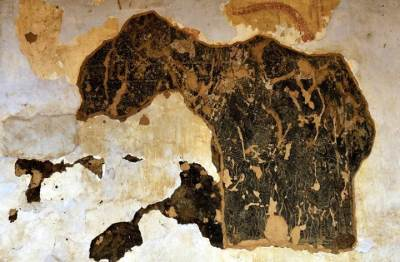 dambadeni paintings covered with kandy era paintings now been exposed
