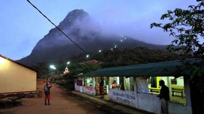 night stop at andiyamalatenna