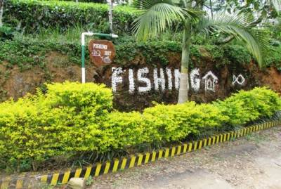 Right turn will take you to Fishing Hut