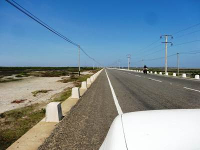 The long causeway joining the Mannar Island to the mainland