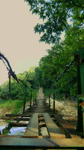 Suspension bridge-Have to cross this and take right turn to Punchi Bambarakiri Ella. This bridge to connect Welannwaththa (වෙලන්වත්ත) village