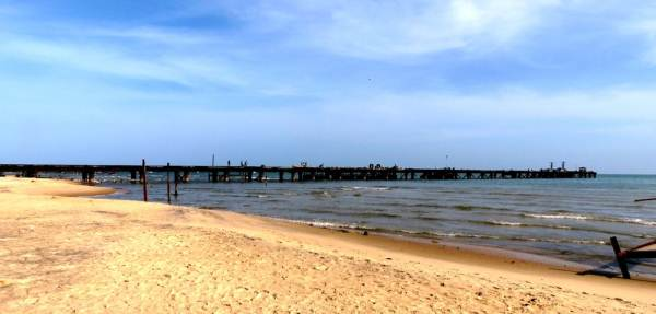 Thalaimannar beach and old pier