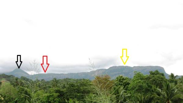 "Black arrow shows starting of Ambokka Mountain. But this is not the peak we have reached. Red arrow shows the approximate place of Mini world's end. Yellow arrow shows the mountain called ""Nawagala"" නැව්ගල-Like a ship. Actually all these in Ambokka mountain range."