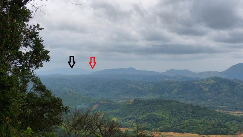 Dolukanda (black arrow) and Yakdessagala (red arrow)
