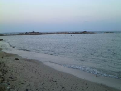 Calm beach….closer to Fort
