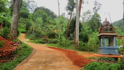 Take the road closer to Kovil at Rajagalawatta