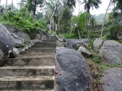 The path to the temple