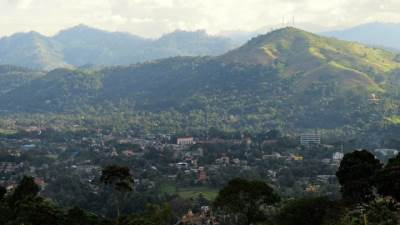 badulla town  and eladaluwa peak